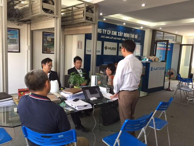 đối tác người Nhật Bản ký kết hợp đồng kinh tế về thi công lắp đặt cửa nhôm Xingfa