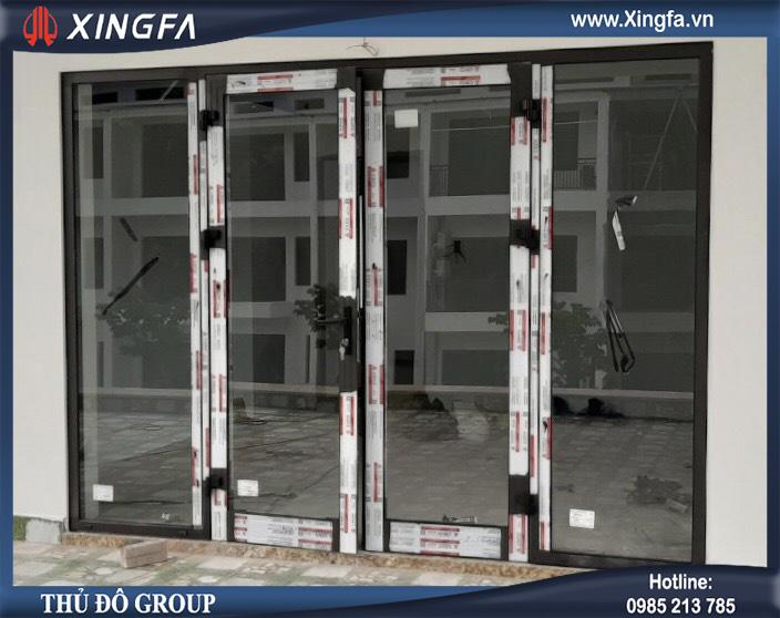 cửa mở quay nhôm xingfa
